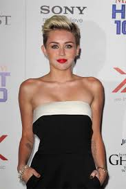 what u0027s wrong with this picture miley cyrus suffers makeup malfunction