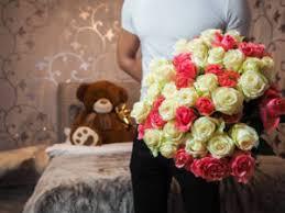 flowers for men consumer trends shift men buying more flowers