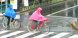 bicycle rain gear rainy day cyclists in tokyo tokyo by bike cycling news