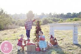 xmas card photo ideas wrap presents in brown paper photography