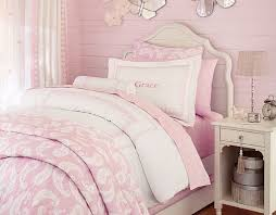 decoration chambre fille papillon design interieur deco chambre enfant retro filette literie murs