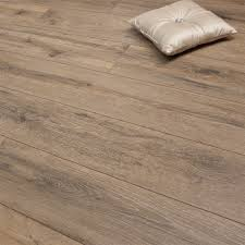 Laminate Flooring In Glasgow Medium French Oak 8mm Premier Elite Laminate Flooring