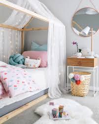 chambre fille design chambre bébé scandinave le blanc de l innocence obsigen