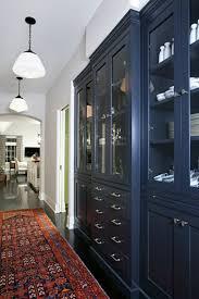 tudor homes interior design designer betsy burnham updates a 1930s tudor hooked on houses