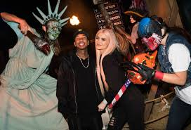 halloween horror nights youtube kylie jenner and tyga enjoy u0027halloween horror u0027 date night see