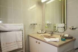 chambres d h es st malo salle de bain chambre standart st malo bretagne picture of la