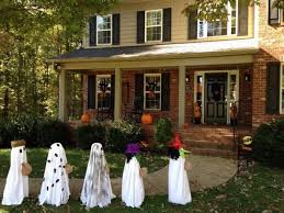 Decorated Homes For Halloween Pinterest Halloween Yard Decor Halloween Decorated Houses
