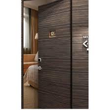 dans la chambre d hotel bloc porte de chambre d hôtel à isolation acoustique renforcée
