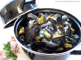 cuisiner des moules au vin blanc moules marinières notre recette avec photos meilleurduchef com