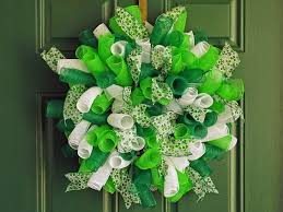 mesh wreaths new orleans crafts by design how to make a spiral deco mesh