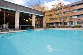 Grand Rapids Mi Airport Hotel Crowne Plaza Grand Rapids Airport Mi Booking Com