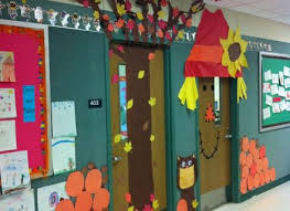 thanksgiving doors decorations wagons are a great way to display