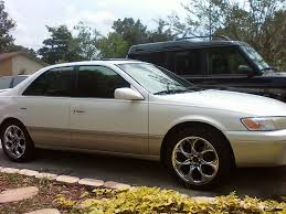 clean 1999 toyota camry on rims