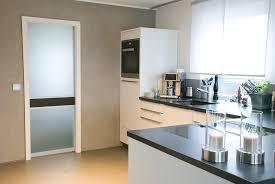 offene küche mit kochinsel küche mit kochinsel und steindeckplatte