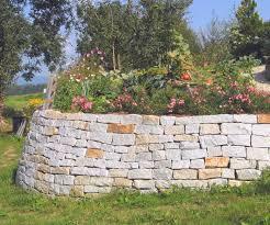 Steine Fur Gartenmauer Mauer Trockenmauer Stein Gartengestaltung Gartenbau Reischl