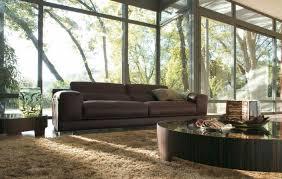 canapé marron aménagement salon avec canapé marron pour y inviter le raffinement