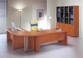 bureau massif moderne le bureau en bois massif est une classique qui ne se démode pas
