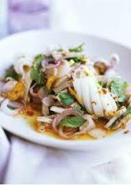 cuisiner de la seiche salade thaï seiche au porc et vinaigrette pimentée