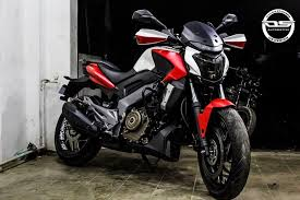 ds design modified bajaj dominar 400 custom wrapped by ds design