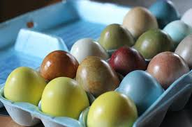 how to color easter eggs how to color easter eggs using natural dyes how tos diy
