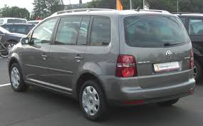 file vw touran 2 0 tdi facelift rear jpg wikimedia commons