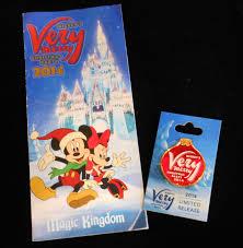 mickey u0027s very merry christmas party pins elly and caroline u0027s