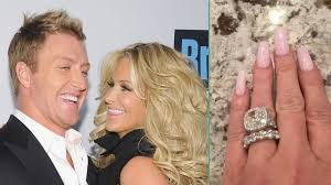 zolciak wedding ring zolciak shows new ring from husband kroy biermann