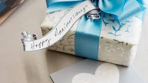 best anniversary gifts for top 10 wedding anniversary gift ideas for your beautiful
