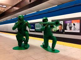 awesome halloween costume of the day couple in homemade green