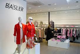 K Henm El Preiswert Zwischen Luxus Und Billig Klamotten Die Personalisierung Wird