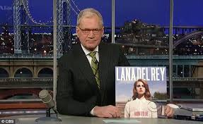 David Letterman Desk Lana Del Rey Wins Over Her Critics With A Dramatic Performance On