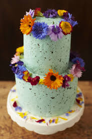 flower fondant cakes using fresh flowers on wedding cakes the guide fresh edible
