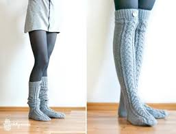 the knee cable knit socks knitting is awesome
