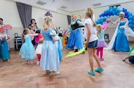 frozen themed party entertainment frozen party theme entertainment for kids by jojofun available for