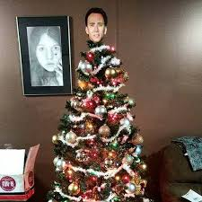 16 hilarious and unique tree toppers