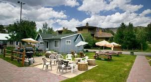 June Lake Pines Cottages by Home Lake Front Cabins