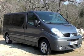 renault trafic back renault trafic phase iii 9 seater road test road tests honest john