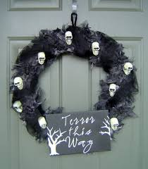 Halloween Door Wreaths Mesmerizing Outdoor Halloween Ideas Presents Marvelous Black