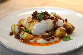 cuisiner le dos de cabillaud à la poele dos de cabillaud au chorizo la recette facile et faite maison