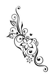 the tribal tattoo when mixed with flowers give enhancing look to