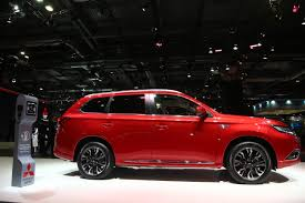red mitsubishi outlander mitsubishi presents slightly updated 2017 model year outlander