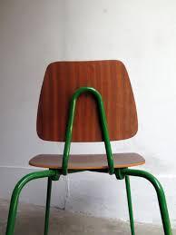 chaise vintage enfant chaise d u0027enfant vintage en contreplaqué avec base en métal vert en