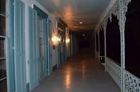 house porch at night a night at the myrtles plantation u2013 jamie davis writes