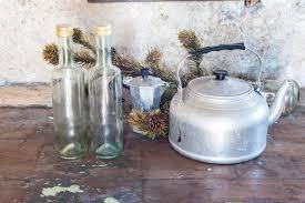 vieux ustensiles de cuisine vieux ustensiles de cuisine en aluminium image stock image du