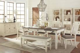 bolanburg dining table