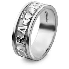 wedding ring mens mo anam cara my soul mate claddagh wedding ring ms wed184