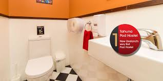 Pod Style Bathroom Tahuna Pod Hostel Queenstown Hostel Queenstown Accommodation