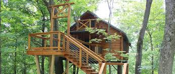 rustic treehouse lodging in berlin ohio