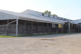 The Barn Wooster Ohio Auction Barns Adapt To Changing Markets Farm And Dairy