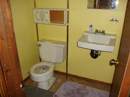Designs For A Small Bathroom by How To Decorate A Small Bathroom After Minty Clean Decorating